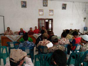 Sosialisasi dan Pembahasan Draf PERDES SOTK Desa Badak, Yang dihadiri oleh Kepala Desa Badak, Perangkat Desa, BPD, LPMD, KPMD dan Anggota,